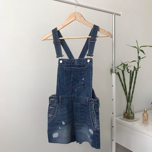 H&M denim overall/suspenders shorts